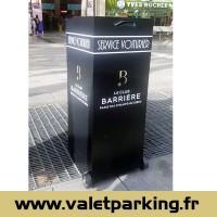 PUPITRE VOITURIER CLUB BARRIERE POKER CHAMPS ELYSEES PARIS