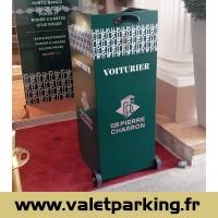 PUPITRE VOITURIER CLUB PIERRE CHARRON POKER CHAMPS ELYSEES PARIS